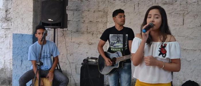 Cultura na Praça leva entretenimento aos moradores da Una