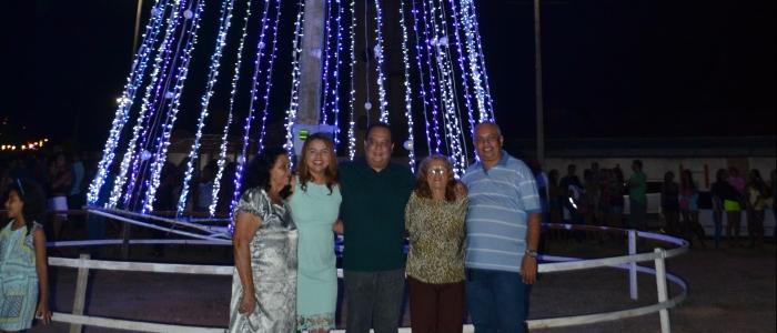 Prefeitura de Goianinha inaugura árvore de Natal na Lagoa da Cangaíba