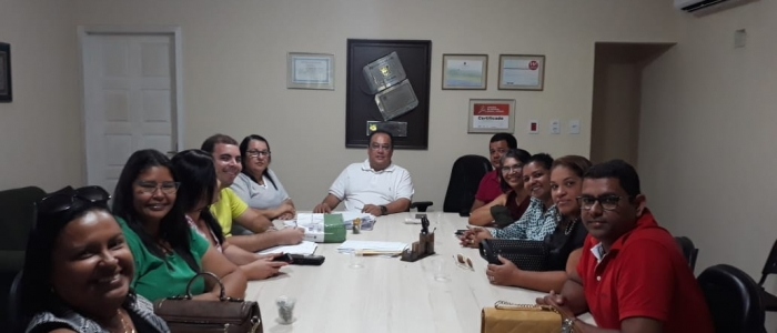 Prefeito se reúne com equipe técnica da Secretária Municipal de Saúde