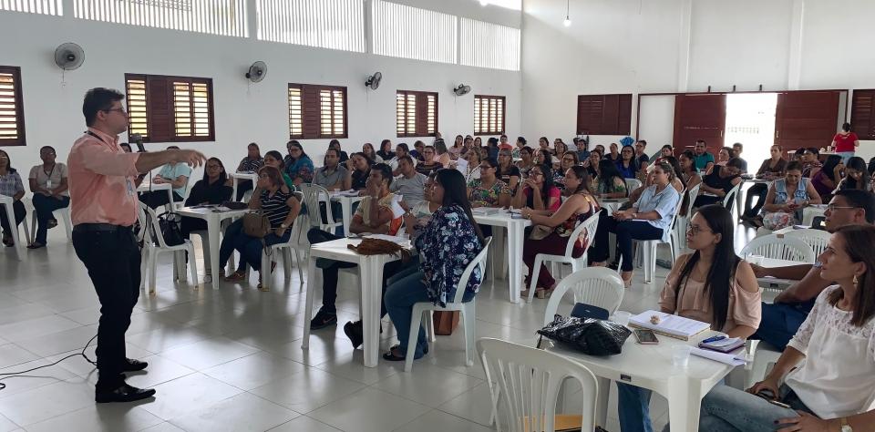 Secretaria de Educação capacita gestores e coordenadores para Semana Pedagógica