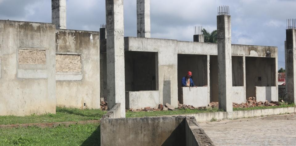 Prefeitura retoma obra de construção do Terminal Rodoviário do município